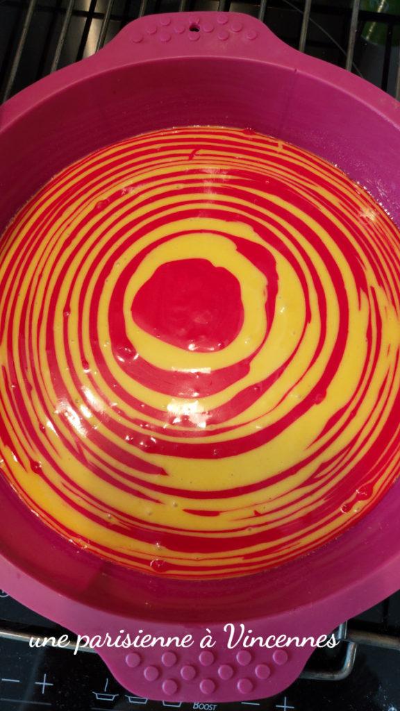 gateau rouge et jaune